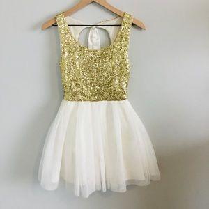 Super cute homecoming dress.